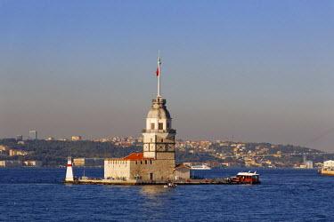 IBLMAN03052165 Maiden's Tower, Kiz Kulesi, Bosphorus, Ciragan Palace at back, Istanbuln and european side, Istanbul Province, Turkey