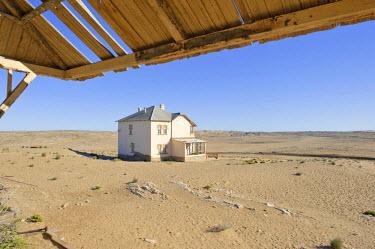 IBLHAN01066743 House, Kolmanskop, Namibia, Africa