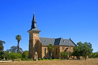 IBLGVA03091892 Dutch Reformed Church, built in a neo-Gothic style from local sandstone, Nieuwoudtville, Western Cape, South Africa, Africa