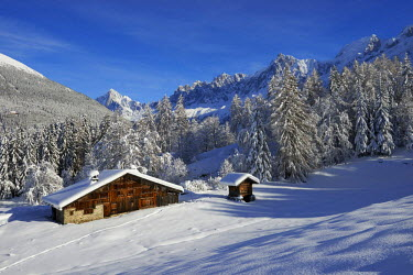 INT00926330 France, Chalet in Charousse, les Houches, in winter, Chamonix valley,