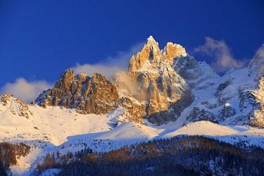INT00926770 France, Aiguille des Grands Charmoz (3445m) at sunrise, Chamonix,
