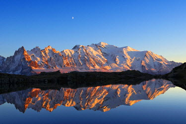 INT00926957 France, Mont-Blanc (4810m) and aiguille du Midi (3848m) from Cheserys lake at sunrise, Chamonix, Mont-blanc range,