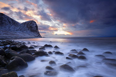 INT00927154 Norway, Sunrise on Unstad beach in winter, Vestvagoya, Lofoten,
