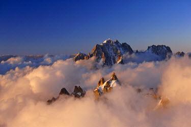 INT00927235 France, Aiguille Verte (4122m) at sunrise, Mont-Blanc range, Chamonix,