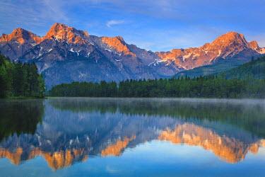 INT01098375 Austria, Upper Austria, sunrise, mountain pasture valley, Lake Alm, Totes Gebirge,