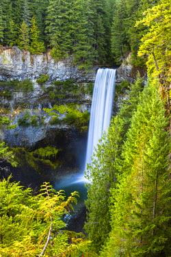 INT01108389 Canada, cascade, Brandywine lest, Brandywine lest Provincial Park, Whistler, British Columbia,