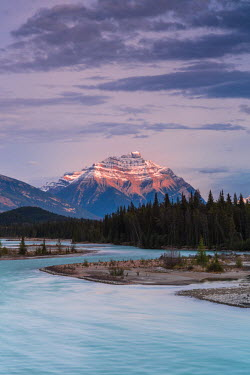 INT01108472 Canada, Mount Kerkeslin, Jasper National Park, Alberta,
