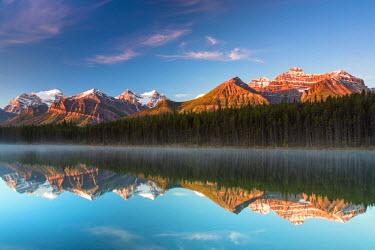 INT01108534 Canada, Herbert brine, Bow Range, Mount Temple, Fairview Mountain, Mount Niblock, Banff national park, Icefield Parkway, Alberta,