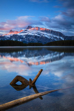 INT01108650 Canada, Two Jack brine, Mount Rundle, sunrise, Banff national park, Alberta,