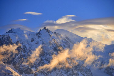INT01128932 France, The Mont-Blanc (4810m) and aiguille du Midi (3842m) at sunset, Chamonix,