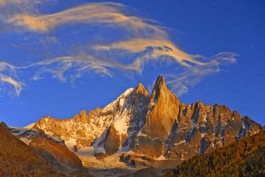 INT01129109 France, The aiguille Verte (4122 m) and aiguille du Dru (3754 m) at sunset, Chamonix,