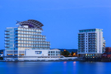 TPX55518 Wales, Cardiff, Cardiff Bay, St David's Hotel and Waterfront Apartments