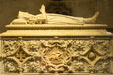 IBLGAB02008351 Tomb of Vasco da Gama, Church of Santa Maria, Mosteiro dos Jeronimos, Monastery of the Hieronymites, Unesco World Heritage Site, Belem district, Lisbon, Portugal