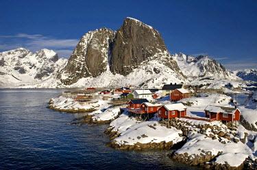 IBLOMK02119025 Rorbuer, traditional wooden houses, Reine, Lofoten Island of Moskenesoya, Lofoten Islands, North Norway, Norway