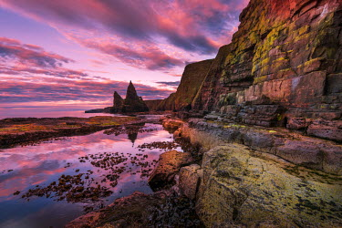 SCO34157AW Europe, United Kingdom, Scotland, Duncansby Point, sea cliffs