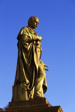 IBXMAN02300333 Bronze statue, Archduke Johann Fountain, Hauptplatz square, Graz, Styria, Austria