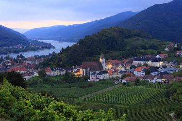 IBXMAN01768559 Spitz and Danube in the evening twilight, Wachau, Waldviertel, Forest Quarter, Lower Austria, Austria