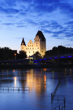IBXMAN01603961 Neues Schloss castle, Danube river, Ingolstadt, Upper Bavaria, Bavaria, Germany
