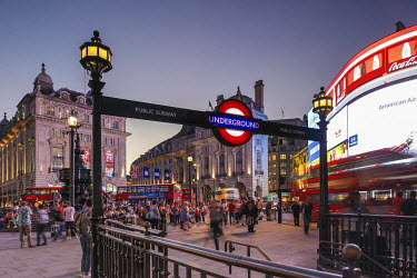 UK11076 Piccadilly Circus, London, England, UK