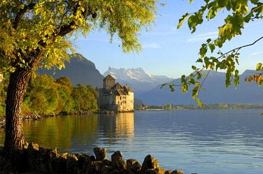 IBXGUF00144914 Castle Chillon at Lac Leman and peak Dents du Midi, Veytaux, Montreux, Switzerland