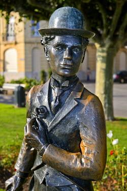 IBXGVA04227725 Charlie Chaplin sculpture, Vevey, Canton of Vaud, Switzerland