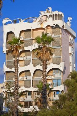 HMS0606227 Israel, Tel Aviv, sea front near Ha'Azma'ut Garden, building inspired by architect Antoni Gaudi