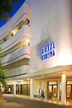 HMS0606254 Israel, Tel Aviv, area listed as World Heritage by UNESCO, Dizengoff Square, Hotel Cin�ma set in an old cinema from 1930 in Bauhaus style