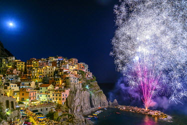 ITA8986AW Europe, Italy, Cinque Terre. Fire works for San Lorenzo in Manarola