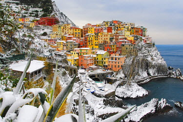 ITA8990AW Italy, cinque Terre, Manarola. Snow in Manarola only every 25 years it happens to snow in the cinque terre.