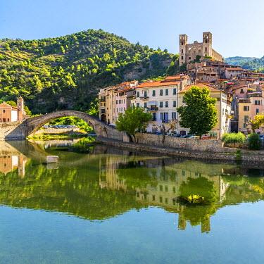 ITA9091AW Europe, Italy, Liguria. View of dolceacqua