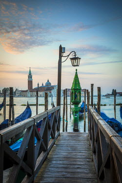IT02788 Chiesa di San Giorgio Maggiore & St. Mark's Square (Piazza San Marco) Venice, Italy