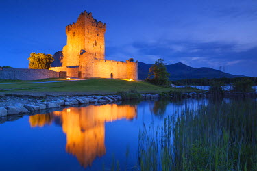 Ireland, County Kerry, Ring of Kerry, Killarney, Ross Castle, dusk