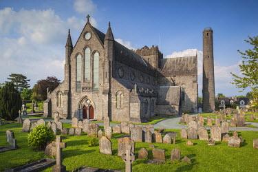 IE02522 Ireland, County Kilkenny, Kilkenny City, St. Canice's Cathedral, exterior