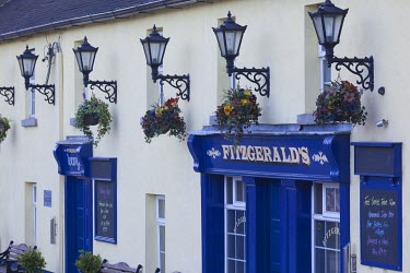 IE02589 Ireland, County Wicklow, Avoca, Fitzgerald's Pub, played leading role in TV series, Ballykissangel