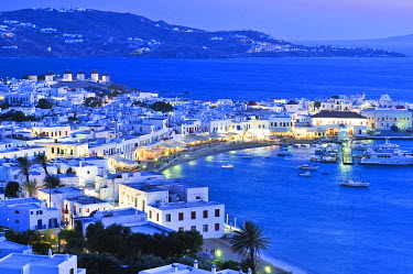 IBXGZS00898603 Harbour of Mykonos in the evening, sea front, Cyclades, Greece