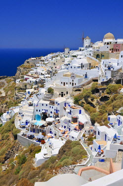 IBXGZS00903415 View over the town of Oia, Ia, on a crater's edge with a typical Cycladic architectural style, Santorini, Cyclades, Greece