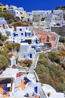 IBXGZS00903478 Interlocked houses in a typical Cycladic architectural style, Oia, Ia, Santorini, Cyclades, Greece