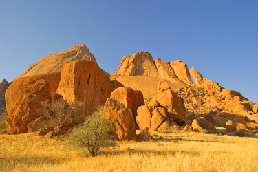 IBXHAN01201394 Landscape with granite rocks around Spitzkoppe mountain, Namibia, Africa