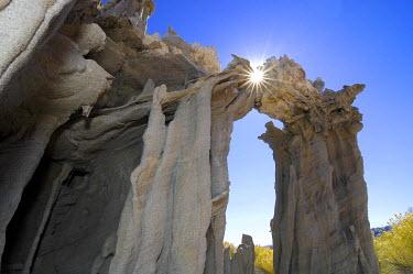 IBXGZS00743149 Sunlight, tuff rock formations at Mono Lake, South Tufa, Lee Vining, California, USA, North America