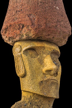 IBXGAB04133817 Ahu Nao-Nao Moais wearing a red hat, Anakena, Rapa Nui National Park, Unesco World Heritage Site, Easter Island, Chile, South America
