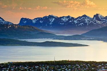 IBXGZS00632383 Mountain landscape at Troemso, Troms, Northern Norway, Norway, Scandinavia