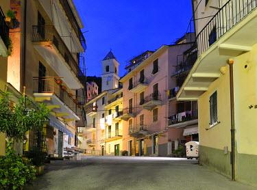 IBXGZS00852828 Alley in the village of Manarola, Liguria, Cinque Terre, Italy