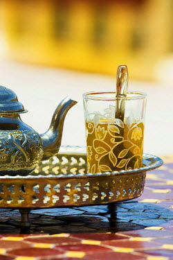 IBXDJS04273387 Glass with mint tea and silver teapot, Morocco, Africa
