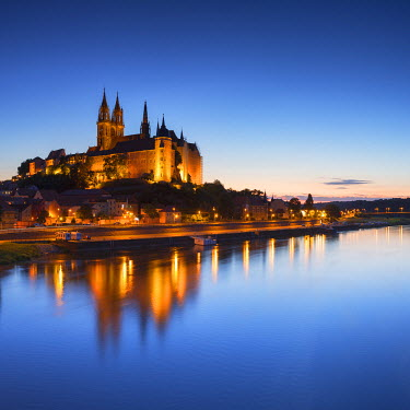 GER9524AW View of Albrechstburg at dusk, Meissen, Saxony, Germany