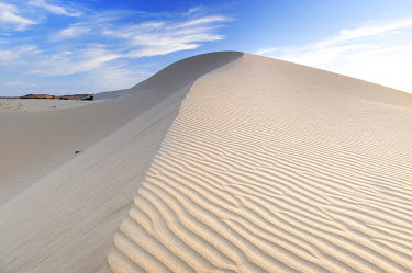 IBXGZS01210750 Desert landscape and White Sand Dune, Bau Ba 'Vietnamese Sahara', Bao Trang, White Lake, Vietnam