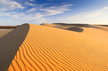 IBXGZS01210751 Desert landscape and White Sand Dune, Bau Ba 'Vietnamese Sahara', Bao Trang, White Lake, Vietnam