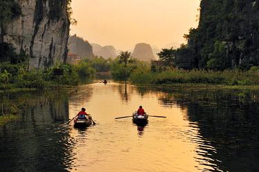 IBXGZS01639880 Tam Coc region near Ninh Binh, dry Halong Bay, Vietnam, Southeast Asia