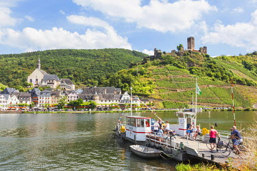 TPX56841 Germany, Rhineland-Palatinate, Moselle, Beilstein and Metternich Castle