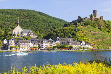 TPX56848 Germany, Rhineland-Palatinate, Moselle, Beilstein and Metternich Castle