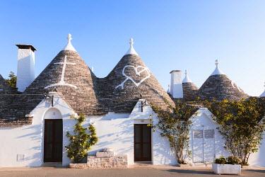 ITA9301AW Trulli, Alberobello, Itria valley, Apulia, Italy